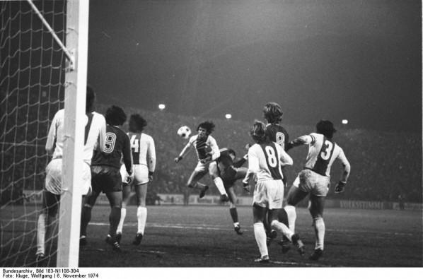 Fußball-Europapokalspiel 1. FC Magdeburg - FC Bayern München am 6.11.1974