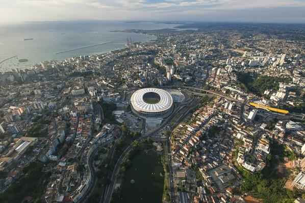"""Luftaufnahme des WM-Stadiums """"Arena Fonte Nova"""" (David Campbell)"""